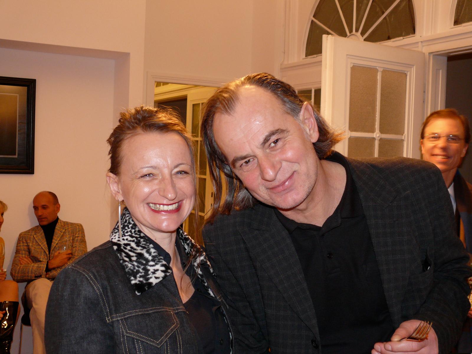 Caren Dinges & Künstler Franz Gager 2009 in der Ausstellung in der Dompfarre Wien