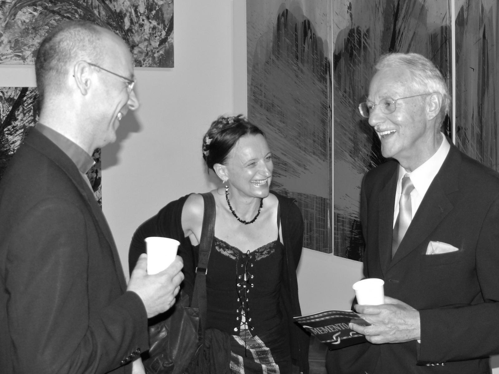 Dompfarrer Toni Faber, Caren Dinges & Karlheinz Essl 2009 in der Nitsch Ausstellung im Künstlerhaus