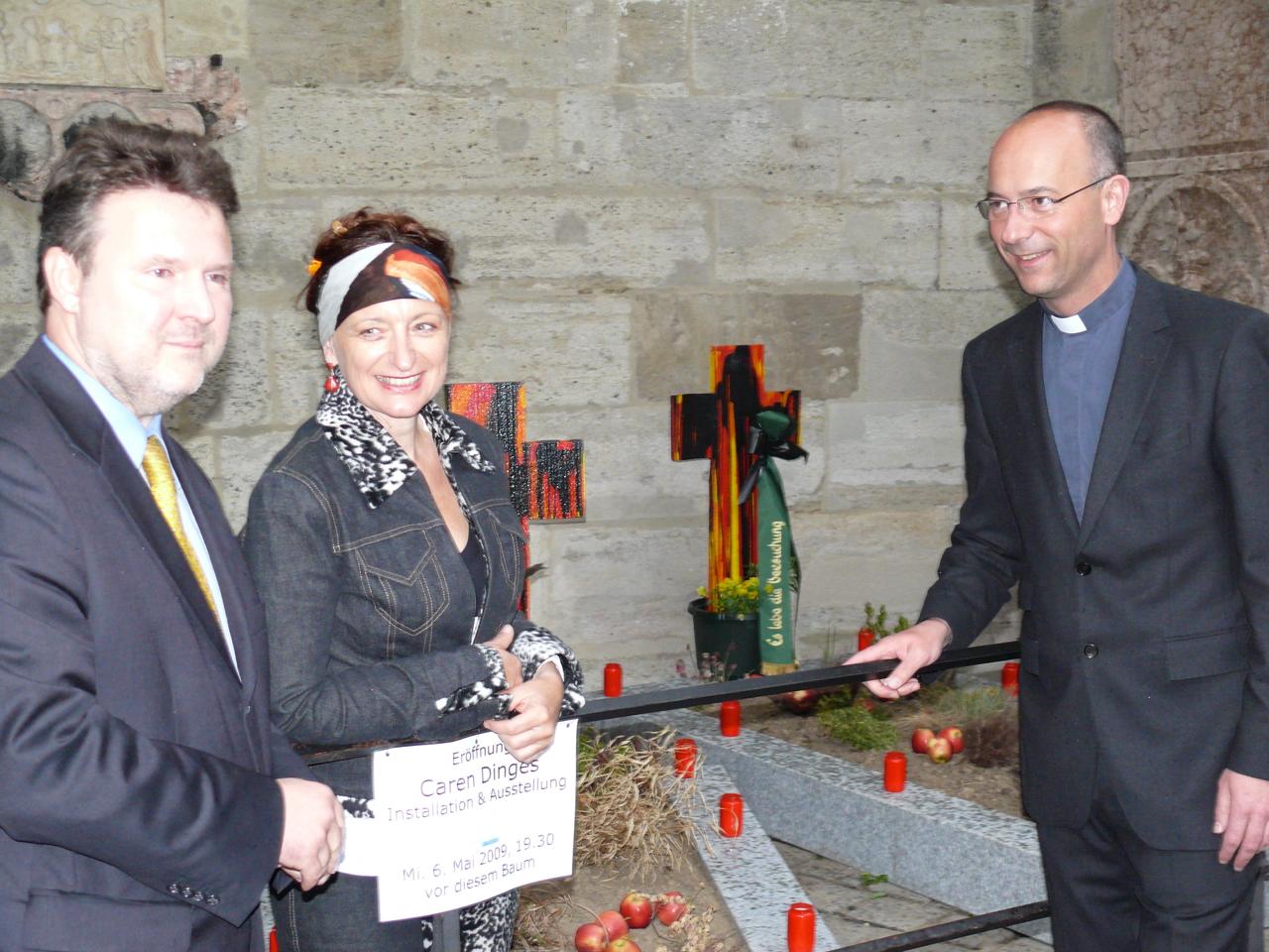 Dompfarrer Toni Faber, Caren Dinges, Bürgermeister Michael Ludwig (re n. li)