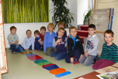 Hunderwasser Workshop Volksschule - Säulen bauen